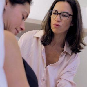 Consultation post opératoire augmentation mammaire